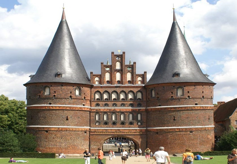 vorota-holstentor